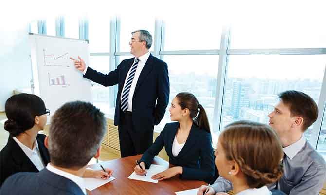 sales-manager_team-mangement